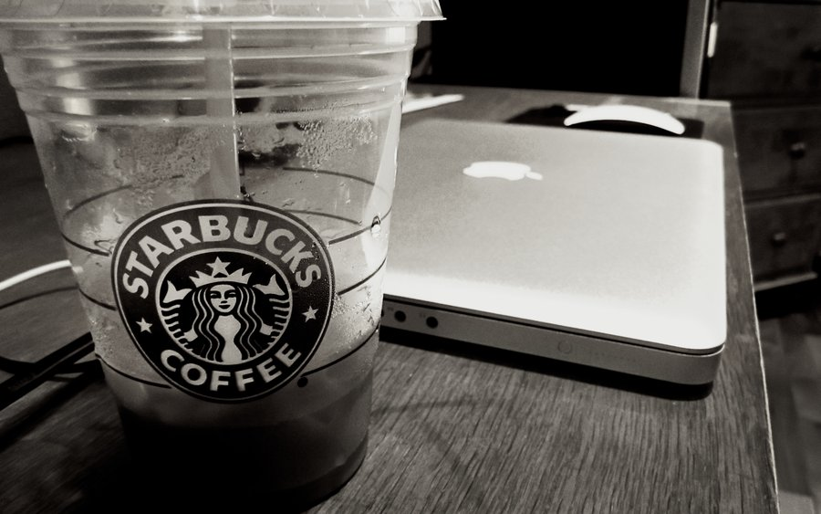 Starbucks And Apple. A premium partnership