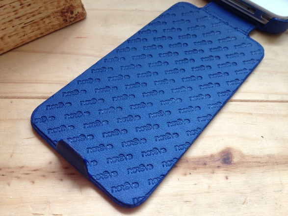 20120828 141009 Review : Noreve Exceptional Selection Leather iPhone Case