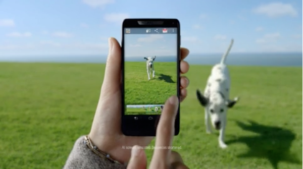 motorola razr i Sponsored Video : Motorola RAZR™ i with Intel Inside® UK Commercial