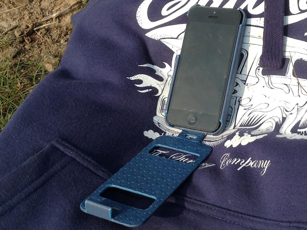 Noreve Indigo On SaltRock 2 Noreve Exceptional Selection Indigo iPhone 5 Case